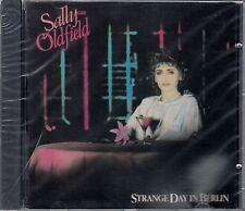 SALLY OLDFIELD : STRANGE DAY IN BERLIN / CD - NEU