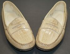 Beautiful J.P. Tod's beige alligator loafers Size 37.5 (7) authentic