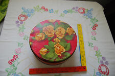 """Vtg tin Yellow Roses Olive Can Chicago 10"""" diameter"""