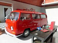 VW Bay T2 Red Dormobile Devon Campervan Welly 1:24 Scale Diecast Detailed Model