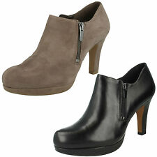 LADIES CLARKS LEATHER ZIP UP SLIP ON PLATFORM SMART SHOES BOOTS AMOS KENDRA