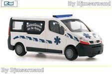 Renault Trafic Vitré Ambulance RIETZEAUTOMODELLE - SAI 3628 - Echelle 1/87