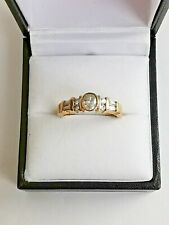 round baguette 9ct 375 yellow 9 stone Cubic Zirconia Gold Band Ring clear oval