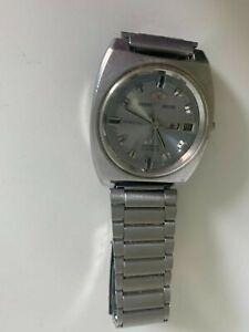 Mens Orient deluxe wristwatch