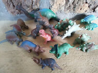 DINOSAUR VINTAGE 1970s/80s/1990s MARX/MPC BOOTLEG PLASTIC FIGURINES 8in to 2in