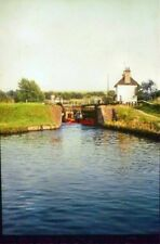 PHOTO  BUCKINGHAMSHIRE GRAND UNION CANAL: MARSWORTH FLIGHT IN 1966 A NARROW-BOAT