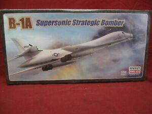 Rockwell B-1A Supersonic Strategic Bomber Hasegawa Minicraft Model 1/144