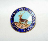 VINTAGE ENAMEL HERTS COUNTY BOWLING ASSOCIATION BROOCH / BADGE / PIN