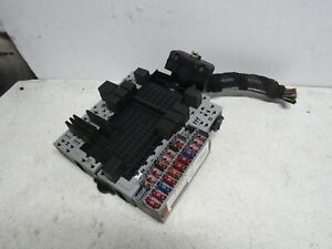 04 VOLVO S60  FUSE BOX RELAY BOX OEM TRUNK MOUNTED FUSE BOX