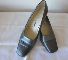 RANGONI, ITALY, SQUARE TOE GRAY FROSTED AND TEXTURED LEATHER PUMPS - SIZE 7 B