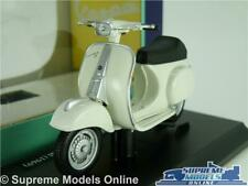 VESPA 50 SPECIAL 1969 MODEL SCOOTER BIKE 1:18 SCALE WHITE MOPED MAISTO K8