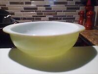 Vintage Pyrex Bowl Lt Green  #024 2QT Round Casserole Bowl/Dish Ovenware