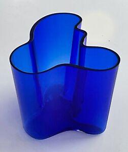"IITTALA Finland Alvar Aalto BLUE Vase 4.75"" tall GLASS Vintage  Signed 1990 #D"