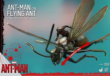 HOT TOYS MMSC003 MARVEL ANT-MAN ON FLYING ANT 10CM MINIATURE COLLECTIBLE