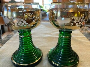 VINTAGE 4 TRADITIONAL GERMAN ROEMER LARGE WINE GLASSES GOLD FOOTED 8 OZ GERMANY
