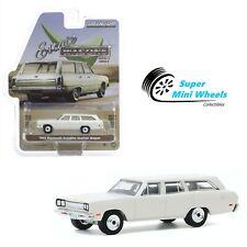 Greenlight 1:64 Estate Wagons - 1969 Plymouth Satellite Station Wagon - White