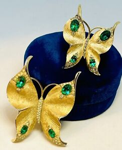 Rare Signed Trifari Alfred Philippe Gold Pave And Emerald Flying Butterfly Pins