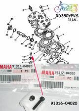Yamaha RZ350 RD350YPVS Valve Holder Bolt x2 NOS Joint Mounting Screw 91317-04020