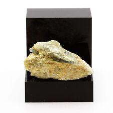 Cyanite Disthène. 53.47 ct. Pizzo Forno, Ticino, Suisse
