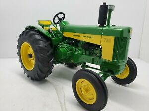 John Deere 730 Two Cylinder Expo 1/16 Tractor