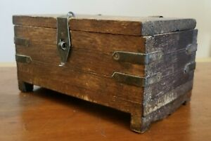 ANTIQUE PRIMITIVE Hand Carved Wood Box with Copper Bands 1900s?
