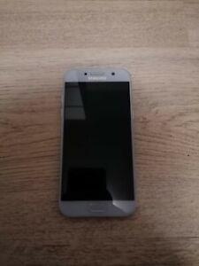 Samsung Galaxy A5 (2017) 32GB - Blue (Unlocked) Smartphone