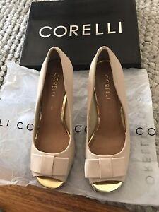 Corelli Ladies Size 8 Shoes Cream/Beige with Gold Trim