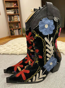 SPECTACULAR Handmade Embroidered Floral High Fashion Galeri Cengiz Boots 39/8.5