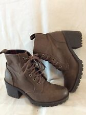 Divided Brown Ankle Leather Boots Size 37