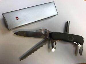 VICTORINOX  Taschenmesser Schweizer Soldatenmesser mit Bundesadler!!! grün