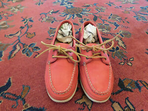 Clarks Loafers Raspberry Pink Leather Classic Boat Shoes Sz 10 Womens Pretty