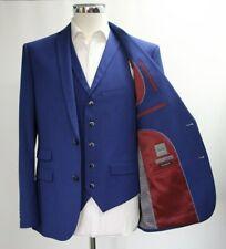 Men's Fellini Blue 3pc Suit (40R).. Sample 4027