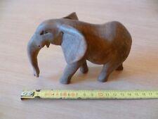(B31)  ELEPHANT MINIATURE EN BOIS SANS SES DEFENSES