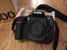 Nikon D300 Digital SLR Camera & AF-S Nikkor 18-105 Nikon Lens
