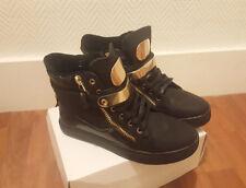 Superbes Chaussures Baskets Noires et Or Metal - Taille 40 - 41 - Fermetures