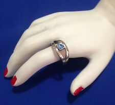 VINTAGE SILVERTONE METAL RING WITH SMALL BLUE DIAMANTE - SIZE J 1/2 (5.25)