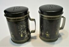 Salt and Pepper  Two cans of china's scene  Shaker Set/ Peper en zout stel