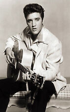 Framed Print – Elvis Presley with Guitar (Picture Poster Rock and Roll Singer)