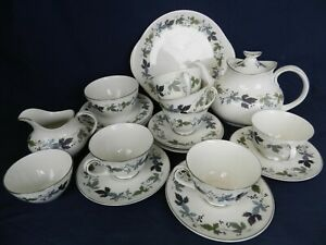 23 Piece 6 Place Setting Royal Doulton 'Burgundy' Afternoon Tea Set with Teapot