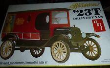 AMT 1923 FORD T BUDWEISER DELIVERY VAN VINTAGE 1/25 Model Car Mountain KIT FS