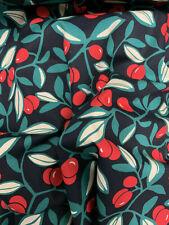 Noir et Rouge Fruit & Feuilles Feuille Imprimé 100% Coton Popeline Tissu