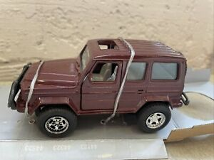 New Ray 1994 #5104 Mercedes Benz 300GD 1:32 Scale Super Friction 4X4