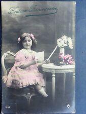 fantaisie ,jeune fille à son écriture