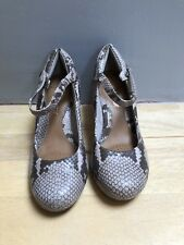 Clarks Softwear Snakeskin Mary Jane Shoes Size 4.5