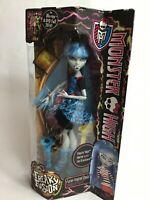 2014 Mattel MONSTER HIGH  freak Ghoulia yelps Fashion Doll NIB HTF