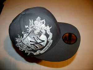 New York Yankees Dark Gray Family Crest Logo Hat New Era 59Fifty Fitted 7 1/8