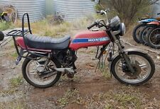 honda cb 400n wrecking all parts available  (this action is for one bolt only)