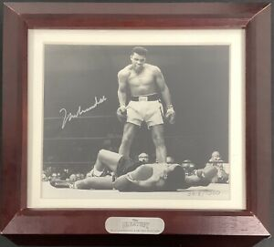 Muhammad Ali Signed Photo 5x6 with Fossil Watch Boxing Auto The Greatest HOF JSA