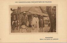 CARTE POSTALE AFRIQUE MADAGASCAR MAHANORO EGLISE ET LA FAMILLE DU CATHECHISTE