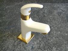 Robinet d'eau froide blanc/doré , Robinet Vertical, Robinet de lavabo, Vico